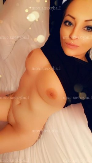 Lindsy massage naturiste escorte