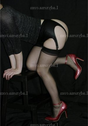 Maryvone escort massage ladyxena à Coulaines