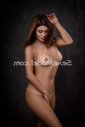 Aylina escorte massage sensuel